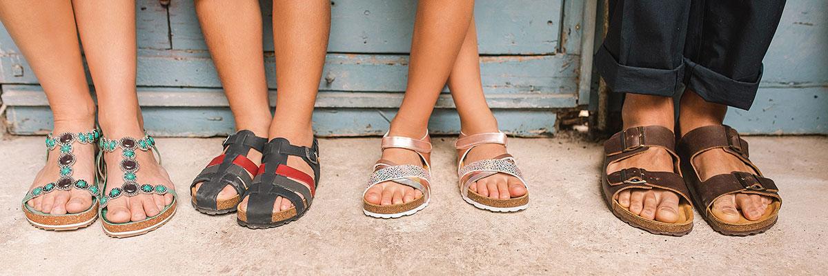 Tossut, sukat ja sandaalit koko perheelle | JYSK